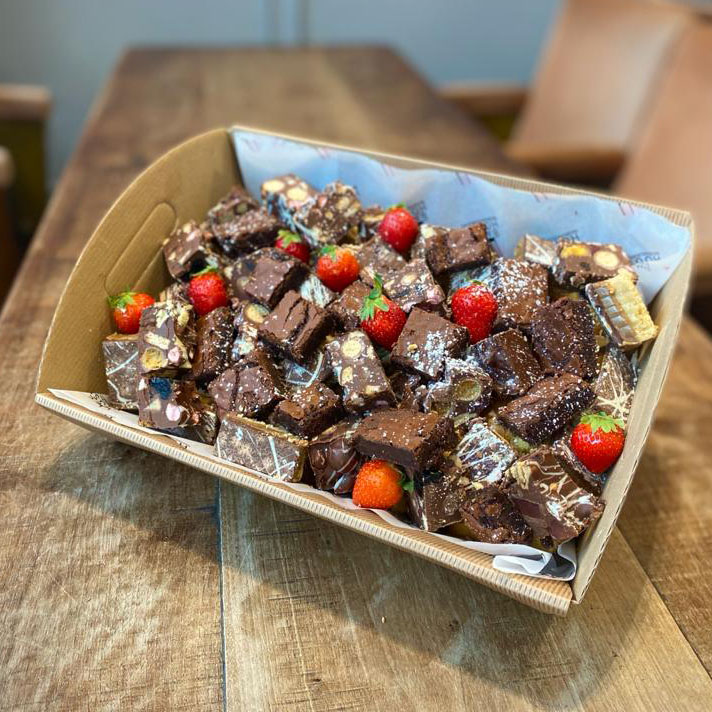 CHOCOLATE INDULGENCE BOX – A selection of Bakehouse Brownies, choco-caramel squares, rocky road & chocolate dipped strawberries (price per person)