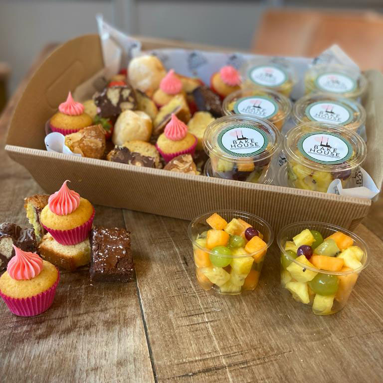 COFFEE BREAK BOX – A selection of our Bakehouse cakes, chocolates & fruit salad pots (price per person)