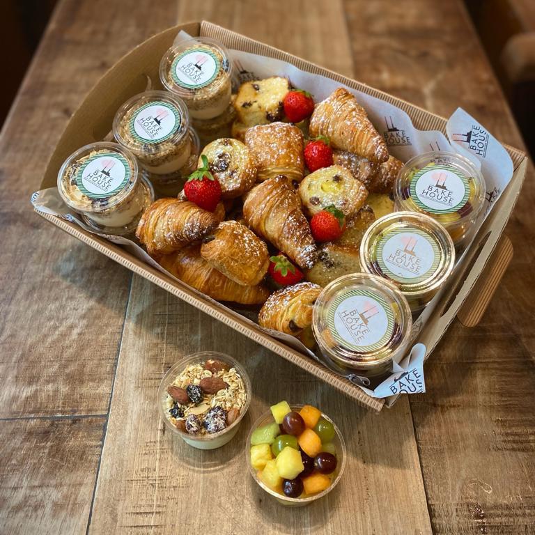 MORNING SUNSHINE – Mini granola pots, morning pastries, mini fruit pots (price per person)